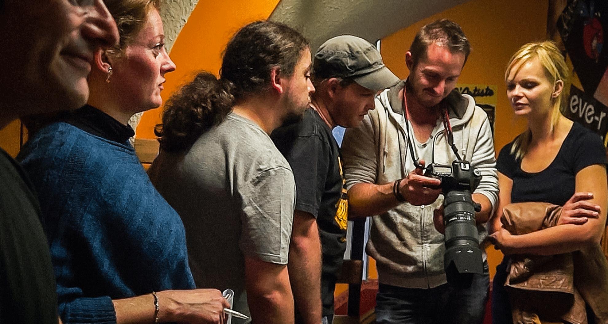 Arnaud husson entouré de Aurore Sellier et de ses scénaristes Guillaume Hantz et Nicolas Thouvenot dreamcatcher le pari audacieux