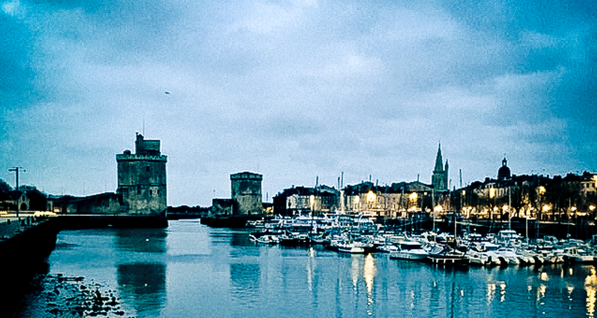 aube les deux phares La Rochelle
